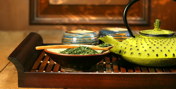 Cast Iron Teapot – Ready To Make Green Tea